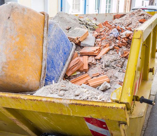 Jak legalnie pozbyć się odpadów budowlanych i wielkogabarytowych?