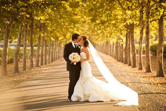 Subtelna sukienka na wesele